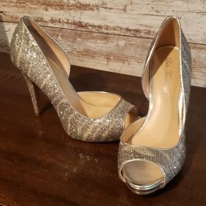 Lulu Townsend Silver Sparkle Heels size 9
